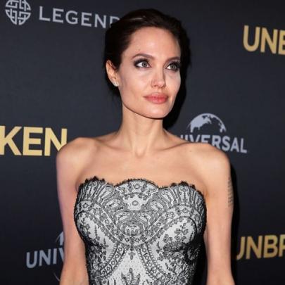 Veja o look de Angelina Jolie na pré-estréia...
