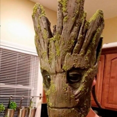 Incrivel Cosplay do Groot de Guardiões da Ga...