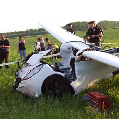 Teste de Carro Voador AeroMobil causa terríve...