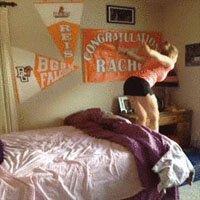 Nunca tente dar cambalhotas na sua cama de mol...