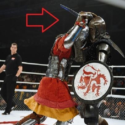 Veja como está sendo praticado o MMA na Rúss...