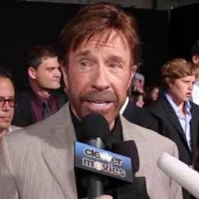 Chuck Norris fala qual é sua piada favorita s...