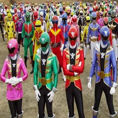Todos os Power Rangers juntos em novo trailer